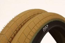 "Cult Dehart tires 2.35"" GUM / BLACK sidewall"